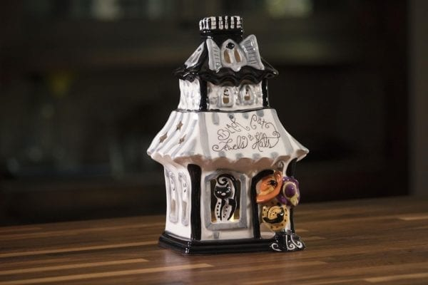 Black Cat Shop Candle House
