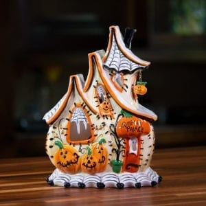 Pumpkin Palace Candle House