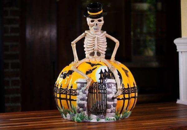Skeleton Pumpkin Trophy