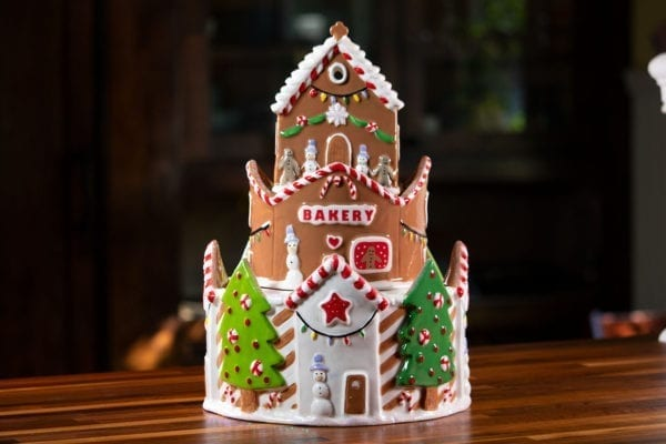 Gingerbread Bakery Candle House