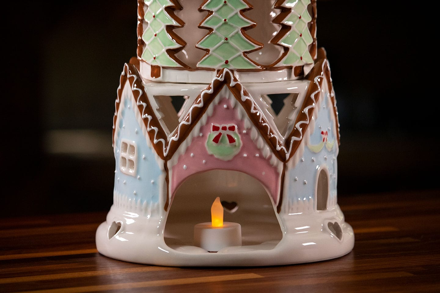 Gingerbread Castle Candle House