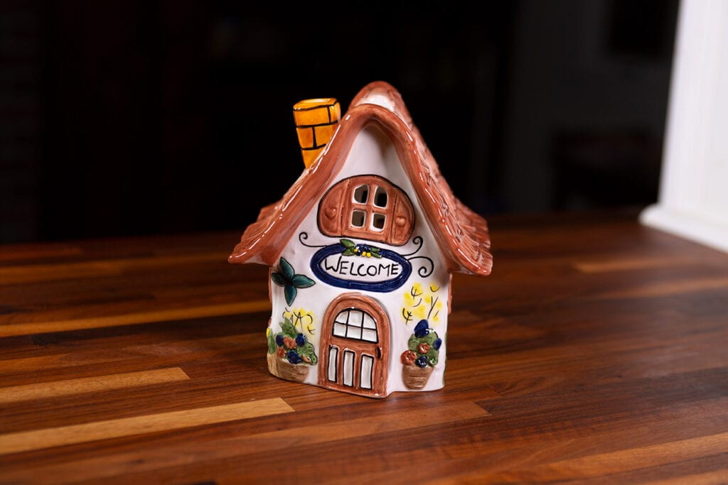 SMALL CANDLE COTTAGE