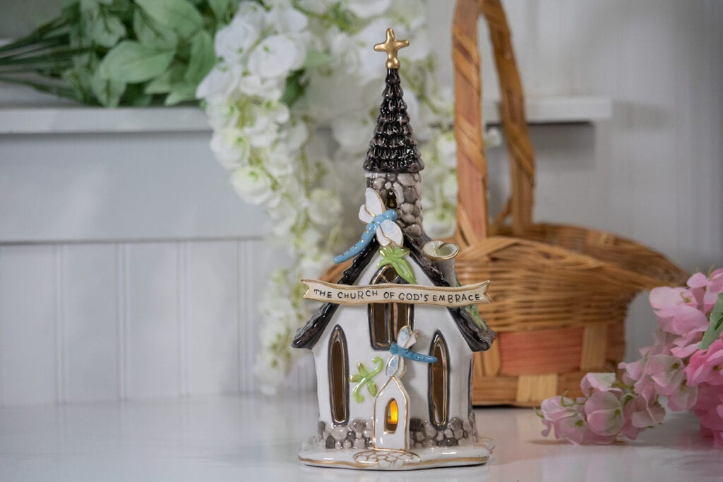 SPRING CHAPEL CANDLE HOUSE