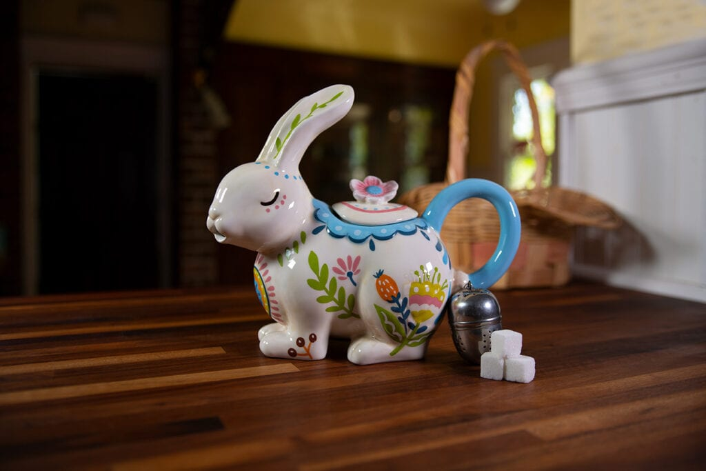 BLOOM BUNNY TEAPOT