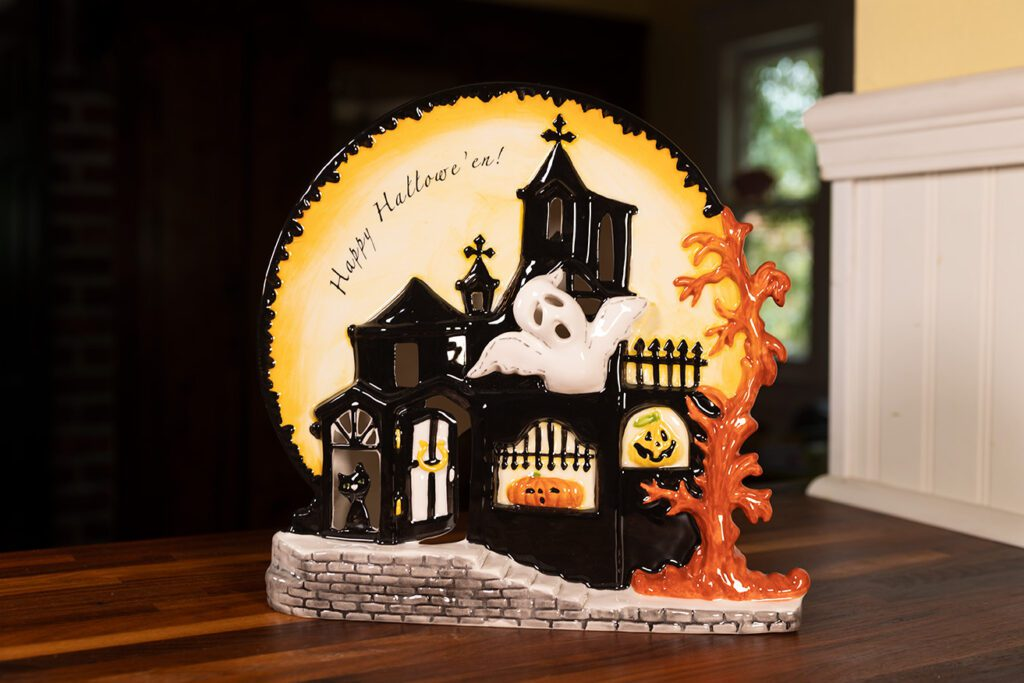 GHOSTLY HAUNTED CANDLE HOUSE